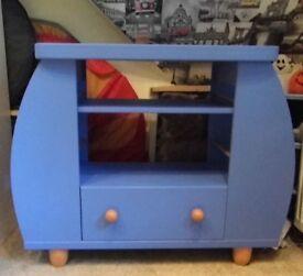 Child's Unit or Desk