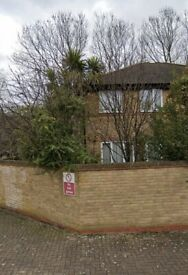 3 bed house Surrey Quays for 2/3 bed