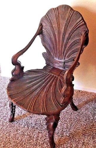 VENETIAN GROTTO CHAIR WALNUT ANTIQUE