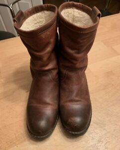 Ladies size 8.5 Leather boot