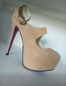 BRAND NEW MARCO GIANNI HEELS Deakin South Canberra Preview