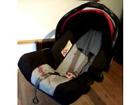 Graco baby car seat -- birth to 9 months