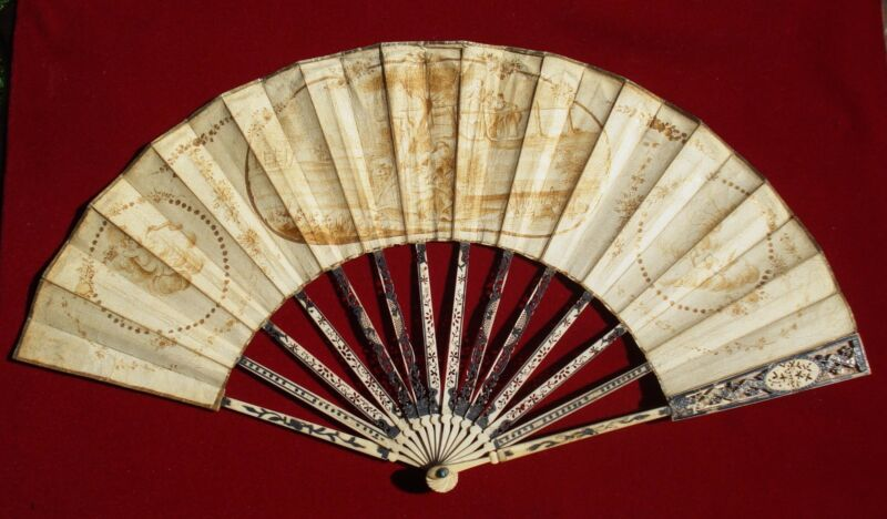 FAN EVENTAIL ANTIQUE CHINESE  CARVED  STICKS AND PAINTED HAND FAN