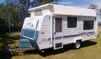 1998 JAYCO WESTPORT 16ft CARAVAN, ROLL OUT AWNING, SINGLE BEDS