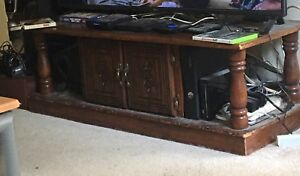 Coffee Table/Tv Stand w Centre Cubby