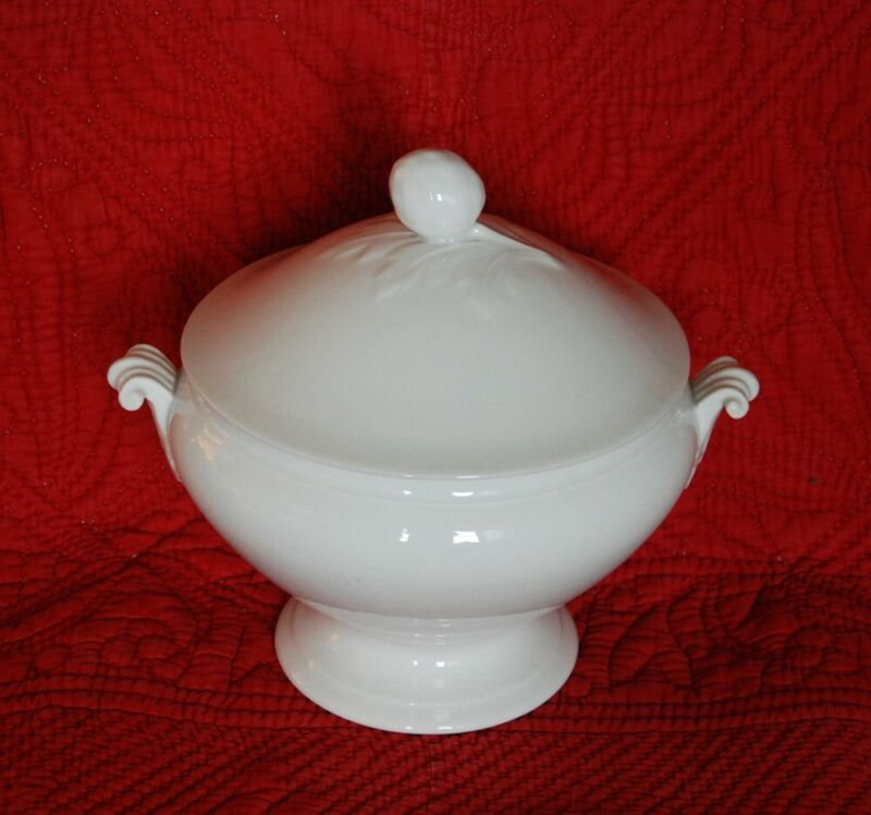 REDUCED ~CLASSIC FRENCH ANTIQUE WHITE SOUP TUREEN ~ VINTAGE PORCELAIN IRONSTONE