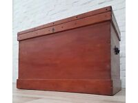 Solid Wood Blanket Chest (DELIVERY AVAILABLE FOR THIS ITEM OF FURNITURE)