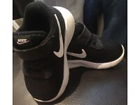 Toddler Nike trainers size 3.5 black worn once