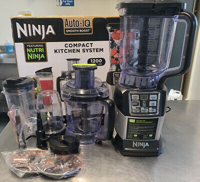 NUTRI NINJA COMPACT KITCHEN SYSTEM 1200w WITH AUTO IQ WITH BOX AND ACCESSORIES