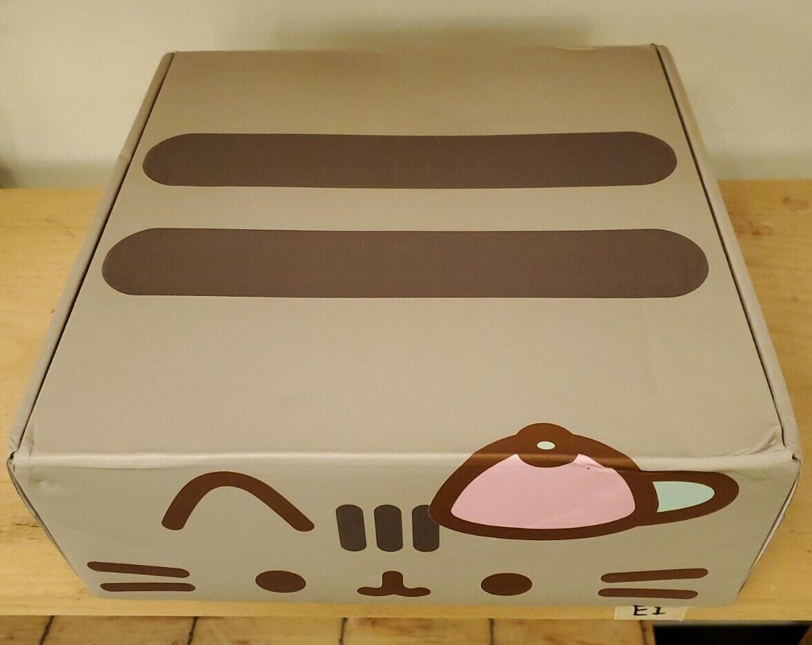 Spring 2019 Pusheen Box Size 3XL Complete New In Box