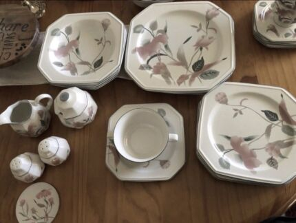 Mikasa silk flowers dinner set dinnerware gumtree australia never used mikasa silk flowers dinnerware mightylinksfo