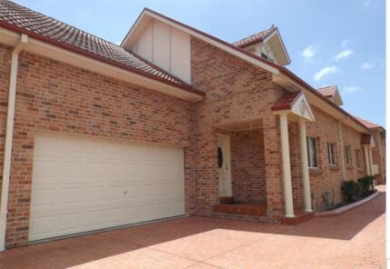 Near New Quiet and Modern Spacious 3 Bedrooms Brick Townhouse