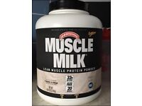 Muscle Milk Cookies and Cream flavour Protein Powder