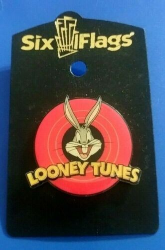 SIX FLAGS THEME PARK LOONEY TUNES BUGS BUNNY ENAMEL COLLECTIBLE PIN RARE A
