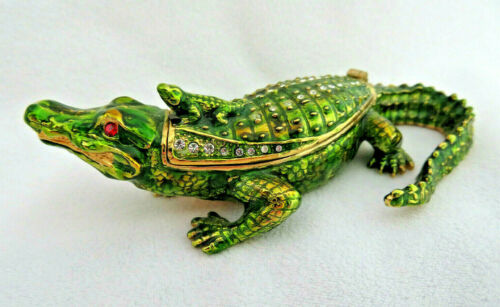Enamel & Crystal Green Alligator / Crocodile with a Baby on Back Trinket Box