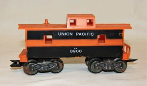 "Vintage MARX Union Pacific #3900 ""O"" Scale Electric Train Caboose - 7"" x 3 1/4"""