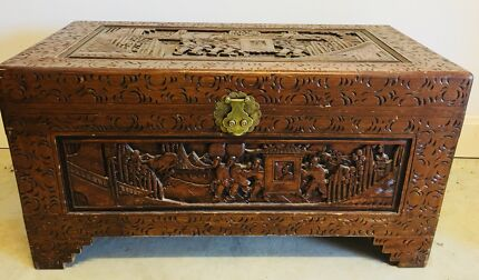 Large camphor chest, can deliver