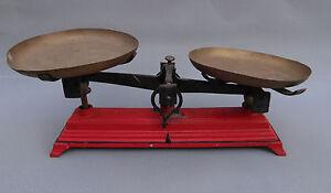 ancienne balance plateaux laiton authentique vieux commerces french antique. Black Bedroom Furniture Sets. Home Design Ideas