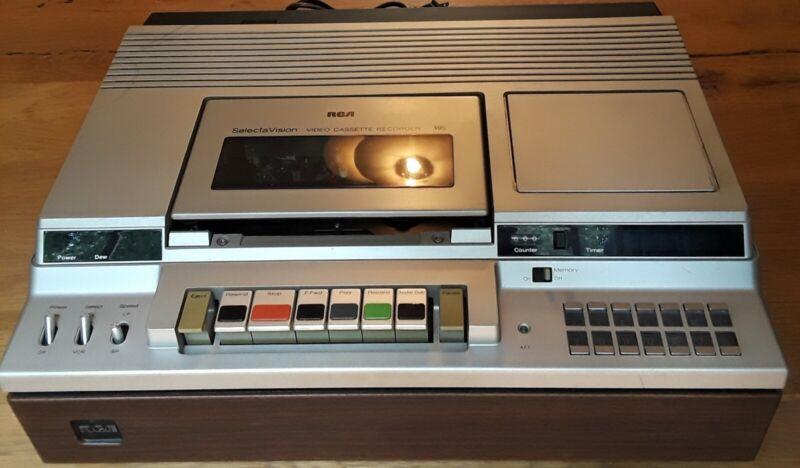 Vintage RCA VDT350 SelectaVision VHS Video Cassette Recorder
