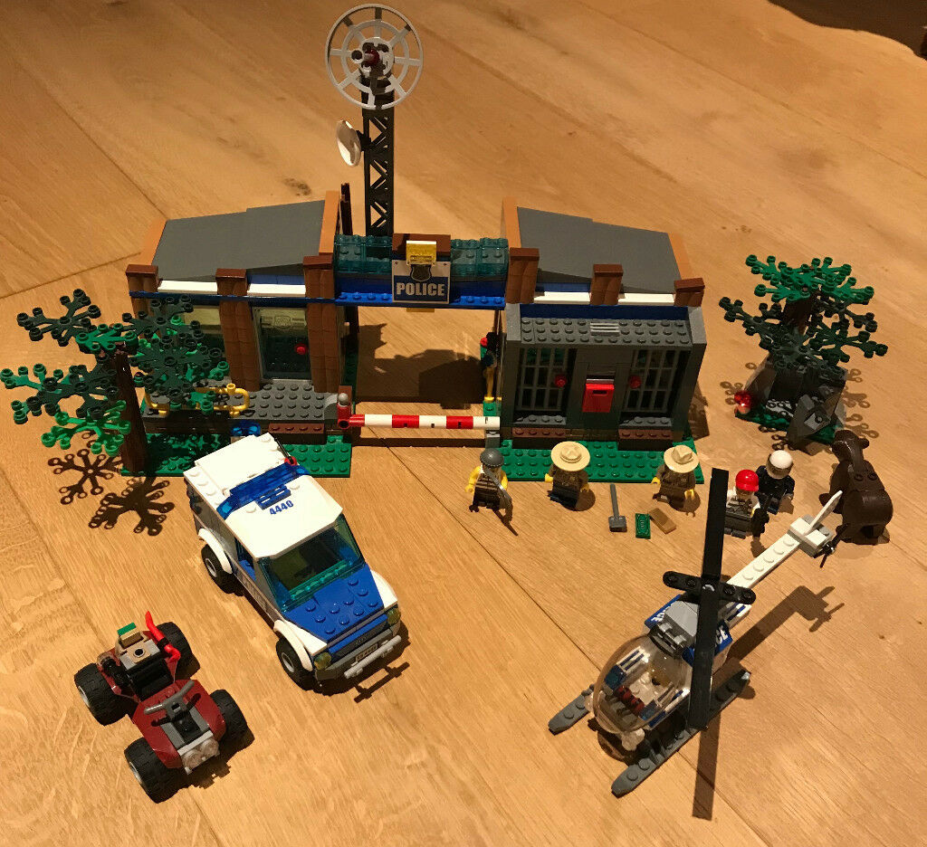 Lego City 4440 Forest Police Station In West Moors Dorset Gumtree