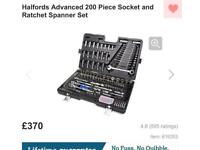 Halfords 200 piece socket set