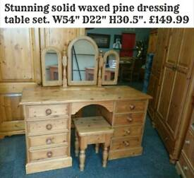 Waxed pine dressing table set
