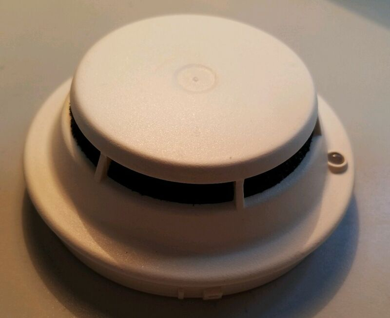 FARADAY 8710 ADRESSABLE Smoke Detector Fire Alarm  EUC!