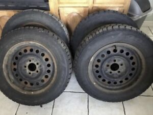 Four amazing 225/60/R16 winter and tires for sale !!
