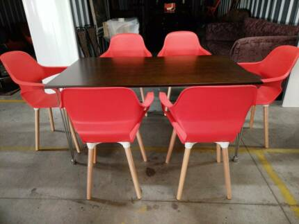 BRAND NEW 7 Piece Dining Suite Retro Style Table 6 Tub Chairs