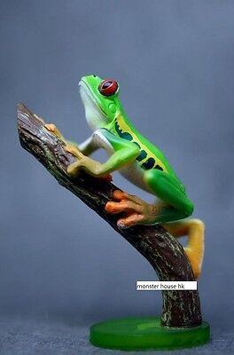 Japan YUJIN animal Red Eyed Tree Frog Toad mini pvc figurine figure