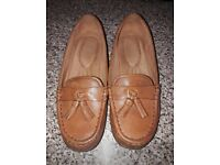 Hotter ladies flat comfort shoes brown. Excellent condition. Size 6