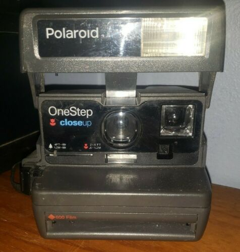 Vintage Polaroid OneStep Camera Close Up Takes 600 Film - $11.00