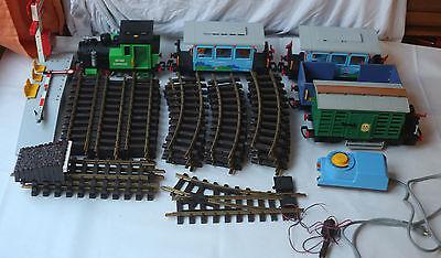 Playmobil 4005 Lok + 4 Wagons und 27 LGB Schienen / Trafo