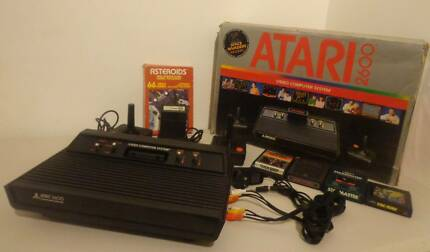 ATARI 2600 Vader Console With AV Output & 6 Games & 2 cntrls