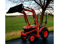 KUBOTA B7000 4WD COMPACT TRACT WITH V1 LOADER AND 4FT BUCKET