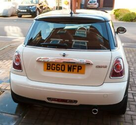 Mini Cooper Hatchback Pepper White with Chilli and TLC pack