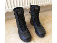 Magnum Classic Men's & Women's Boots - Black (Size: UK9, US10, EU43)