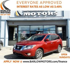 2014 Nissan Pathfinder SV**AMVIC INSPECION & CARPROOF PROVIDED!
