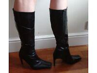 Black leather boots size 40 (Aldo)