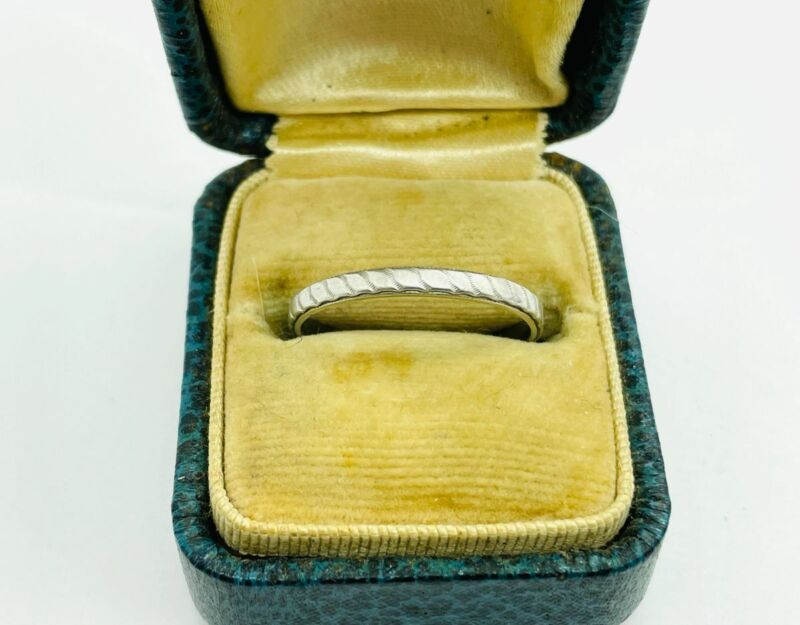 1946 Dated Platinum Ribbed Decorated Chased Eternity Band Ring