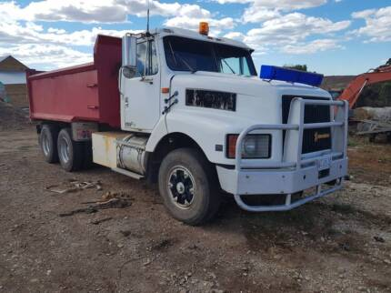 tip truck Sassafras Latrobe Area Preview