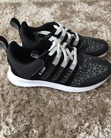 Adidas SL Loop size 9