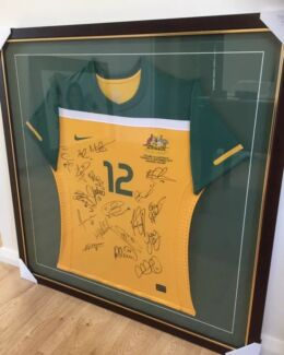 Socceroos 2010 World Cup - Player Issued Shirt - Signed - MAKE A OFFER
