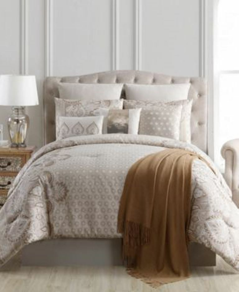 VCNY Home Kagney Jacquard Damask 10 Piece King Comforter Set