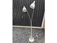 Modern/Stylish Floor lamp - Adjustable (2 bulbs)