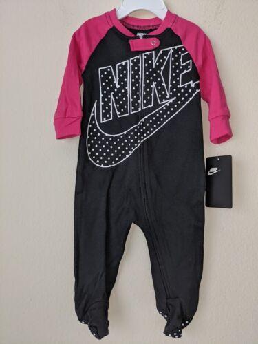 ***Baby Girl Nike Sleep & Play ** 1 Piece Jumpsuit ** 6 Months.***