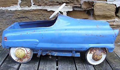 ANTIQUE 1950s AUTOMOBILE PEDAL CAR