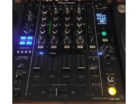 Pioneer 850 DJM Mixer.