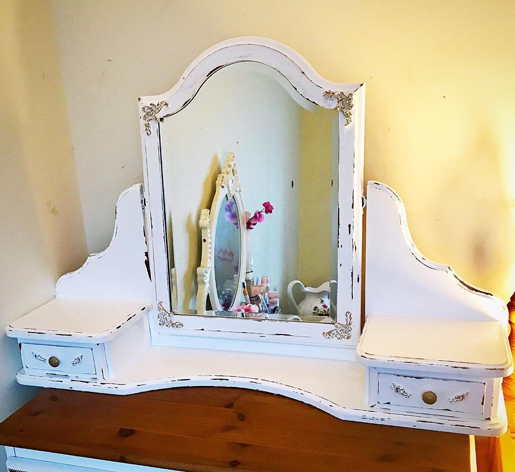 White / gold Shabby Chic mirror