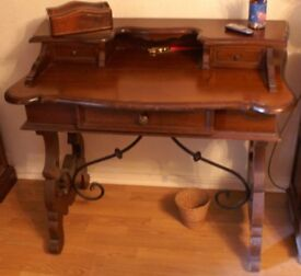 Writing Bureau / Desk
